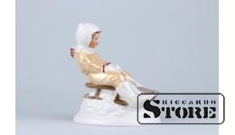 Статуэтка, С горки, фарфор, Рига, Рижская фарфоровая фабрика, автор модели - Зина Улсте, 50-е годы, 12 см