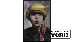 Старинная поздравительная немецкая открытка Девушка