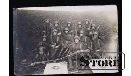 Открытка, Солдаты в касках, с винтовками
