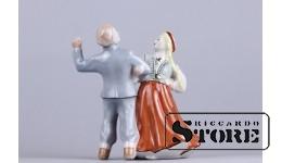 Figūriņa tautas deja. Rīgas porcelāna fabrika, modelis - Ilga Vanaga, 1950tie, 13.5 cm