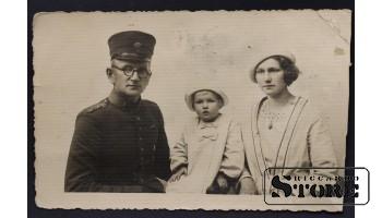 Военный офицер с семьей (30)