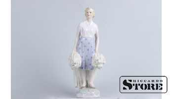Statuette, collective farmer, RIGA PORCELAIN FACTORY, model author- Zina Ulste, 1950s, 30 cm.