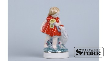 figurine Girl with chicken. Riga porcelain factory, model - Beatrice Karklin, 1950ies, 16 cm