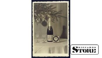 Старинная поздравительная открытка времён Ульманиса Шампанское, с Новым Годом!