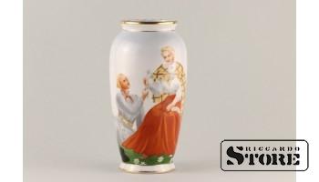 Фарфоровая ваза Кутузовская Народный мотив