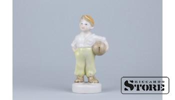 Статуэтка, Футболист , фарфор, Рига , Рижская фарфоровая фабрика, автор модели - Зина Улсте, 50-е годы , 11.8 см.