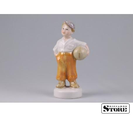 Фарфоровая статуэтка Футболист - талисман на карьерный рост Вид 1