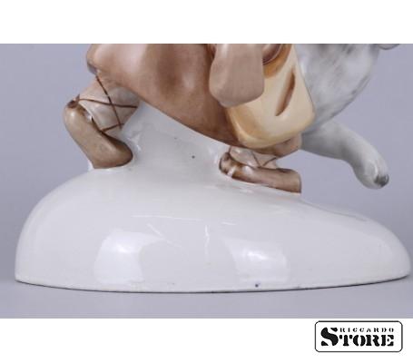 Фарфоровая статуэтка Укутыш с собакой вид 12