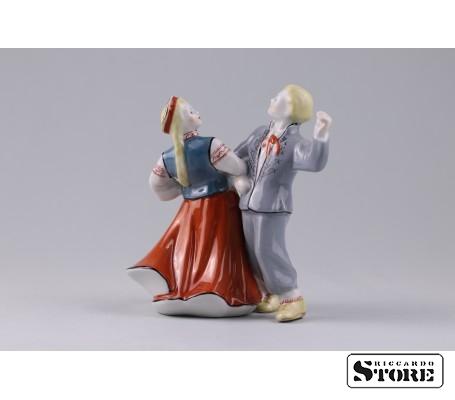 Фарфоровая статуэтка Народный танец - самобытность латышской культуры. Вид 1