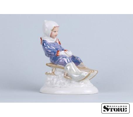Фарфоровая статуэтка С горки вид 4
