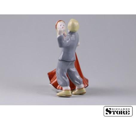 Фарфоровая статуэтка Народный танец - самобытность латышской культуры. Вид 4