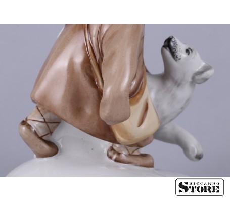 Фарфоровая статуэтка Укутыш с собакой вид 13