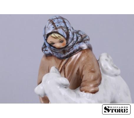 Фарфоровая статуэтка Укутыш с собакой вид 15