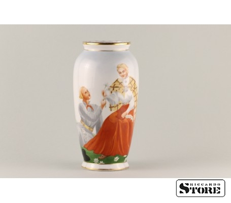 Фарфоровая ваза Кутузовская Народный мотив вид 1